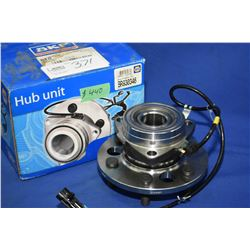 New Napa inventory SKF hub #BR930346 (retails $440.00) fits Cadillac Escalade, Chevrolet and GMC tru