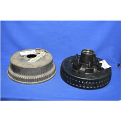 """Two mismatched new brake drums including Napa 440-1130 and a 12"""" Dexter brake drum trailer hub combi"""