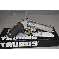 Taurus Model Raging Bull .454 Casull Cal 5 Shot Revolver w/ 127 mm ported and vented bbl [ flat stai
