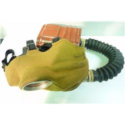 WWII CANADIAN ISSUE GAS MASK