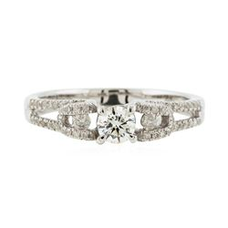 14KT White Gold 0.59ctw Diamond Ring