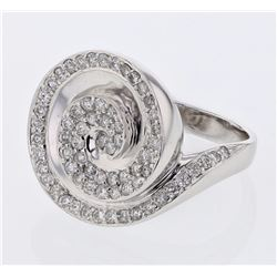 18KT White Gold 0.92ctw Diamond Ring