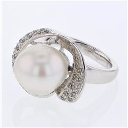14KT White Gold 13.81ct Pearl and Diamond Ring