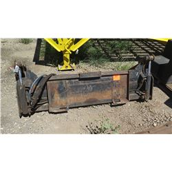 SKID STEER BUCKET ATTACHMENT - There's a gap as a result of a bend that prevents it for completely c