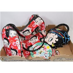 LOT OF BETTY BOOP: BETTY BOOP TRAVEL DUFFLE BAG