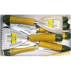 LOT OF 9 RICHARD 3' ADHESIVE SPREADERS