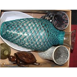 LARGE BOX WITH NETTED VASE, WOOD TURTLE