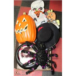 LARGE FLAT OF HALLOWEEN DECORATIONS