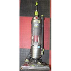 HOOVER WINDTUNNEL VACUUM WITH BEATER BAR/POWER