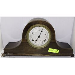WINTAGE WOOD NEW HAVEN CLOCK