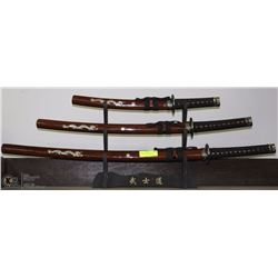 SET OF SAMURAI SWORDS