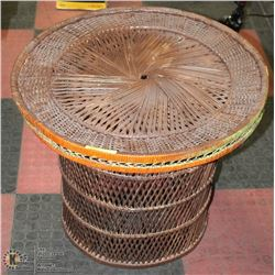 "WICKER ROUND TABLE 24""X24"""