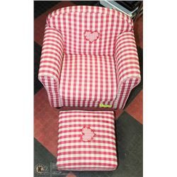 RED AND WHITE GINGHAM CHILD'S CHAIR