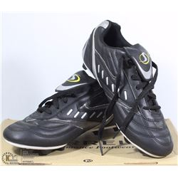 YOUTH SPORT TEK SOCCER CLEATS - SIZE 6