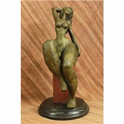 Hot Cast Classical Chubby Female Bronze Sculpture