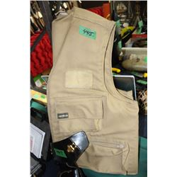 Insulated Fishing/Hunting Vest w/Whistle