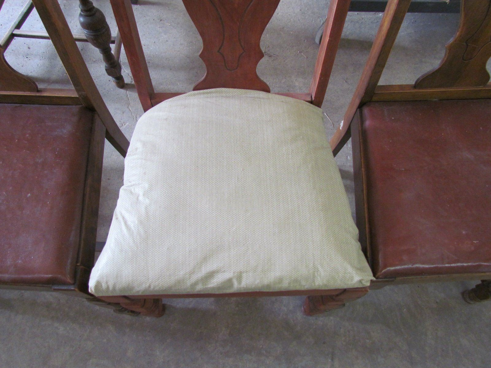 ... Image 4 : 3 Antique Chairs   1 Chair Cushion Replaced