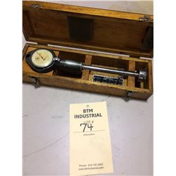 Hemco bore gauge 2 inch measures in tenths in wooden case