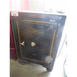 VINTAGE C.L.FORD GOLDIE AND MCCULLOGH CO.LTD. SAFE WITH COMBINATION