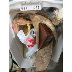 TUB OF DEER ANTLERS/WOOD BOWLS /MISC ESTATE GOODS