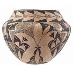 Acoma Pueblo Early 20th Century Pot