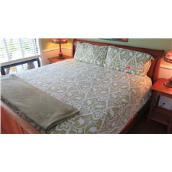 King Size Comforter & 2 Matching Pillows - Sage Green/White