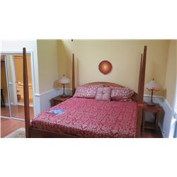 "Cherrywood Four-Poster Bed w/Mattress & Box Spring - King Size, McKinnon, W: 77"" L: 86"" H: 80"" to to"