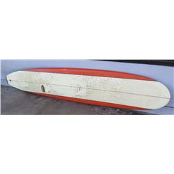 surfboard-red and white round noise Martinson long board