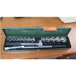 Socket Set with 6-Point Hex Fastener Heads, w/Green Case
