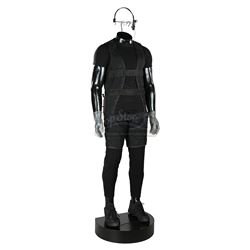 MISSION: IMPOSSIBLE (1996) - Ethan Hunt's (Tom Cruise) Suspension Outfit