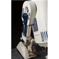 STAR WARS: A NEW HOPE (1977) - Don Post Studios R2-D2 Statue Display
