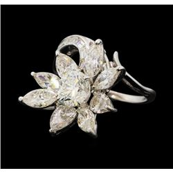 4.68 ctw Diamond Ring - Platinum