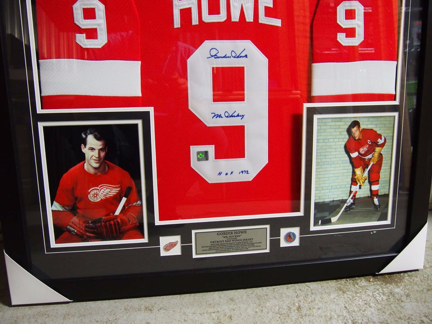 a7eb8f8d3a6 ... image 2 gordie howe mr hockey autographed detroit red wings framed  jersey
