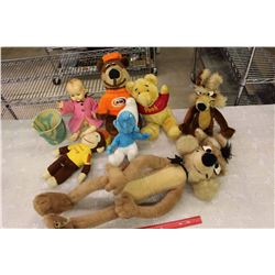 Lot of Collectible Stuffed Toys w/Tote Container