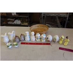 Lot of Vintage Glass Salt&Pepper Shakers(7 Pairs)w/Little Wicker Bowl
