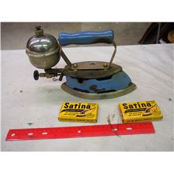 Vintage Blue Coleman Iron W/ Satina Iron Aid Packets