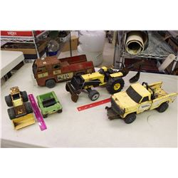 Lot of Vintage Metal Tonka Trucks (5)