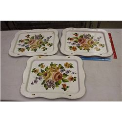 Matching Vintage Floral Trays (3)