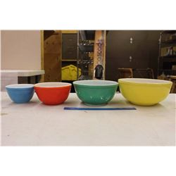 Set Of Primary Pyrex Bowls (4)