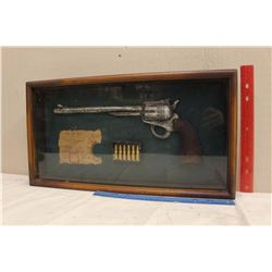 "Wall Hanging Fake Revolver Shadow Box (20""x11"")"