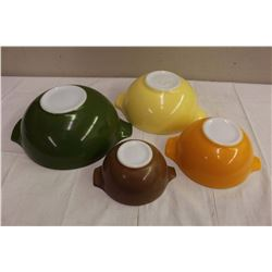 Pyrex Casserole Dishes (4)