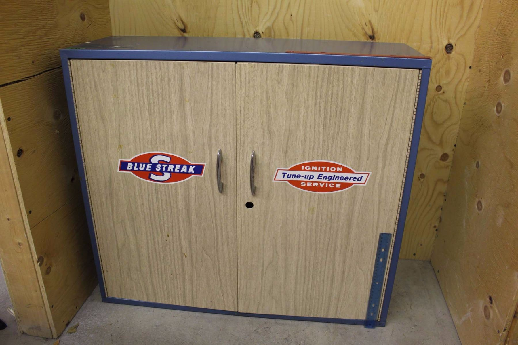 Image 1 : Vintage Blue Streak Ignition Tune Up Metal Cabinet ...
