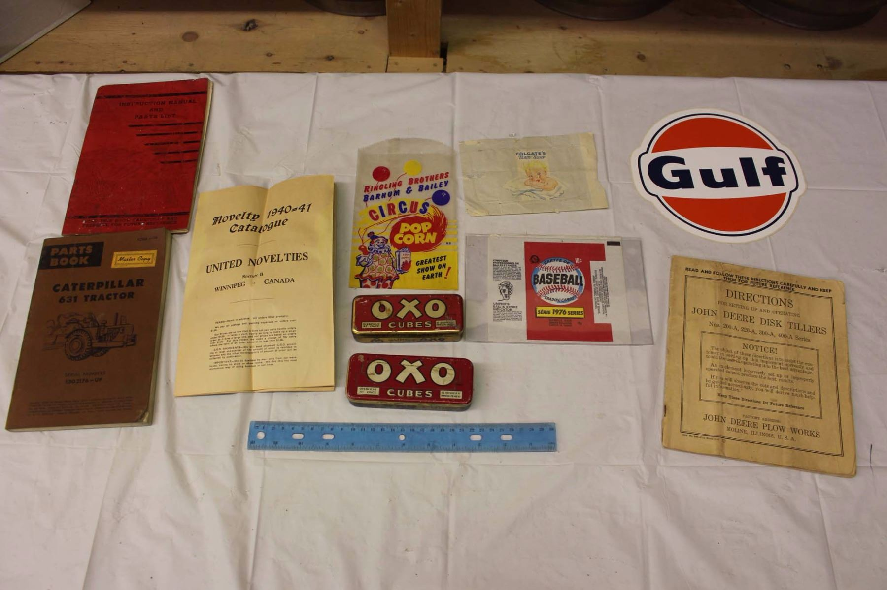 Image 1 : Lot Of Vintage Manuals And Misc. (Novelty Catalogue, Caterpillar  Tractor ...
