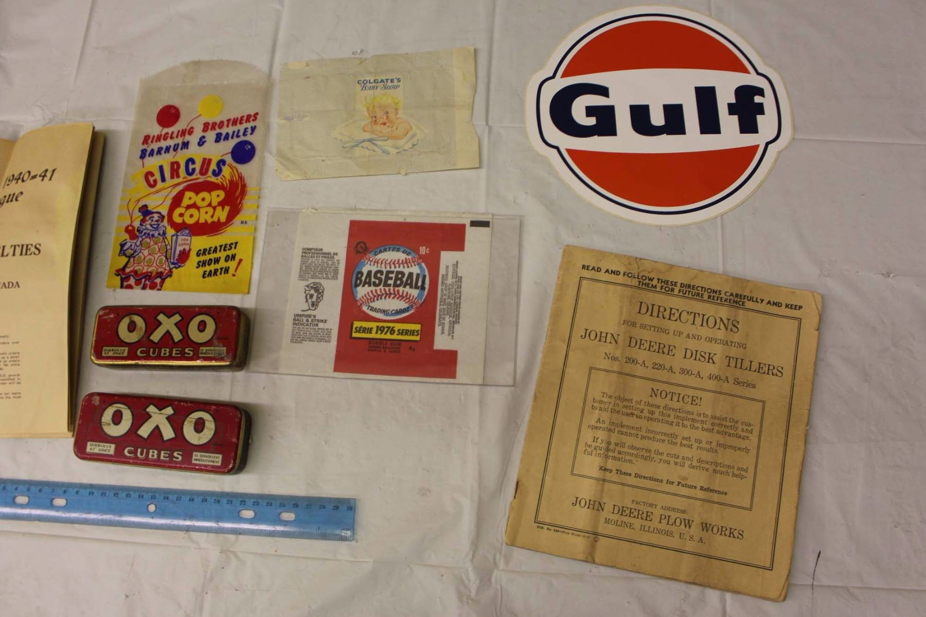 ... Image 3 : Lot Of Vintage Manuals And Misc. (Novelty Catalogue,  Caterpillar Tractor