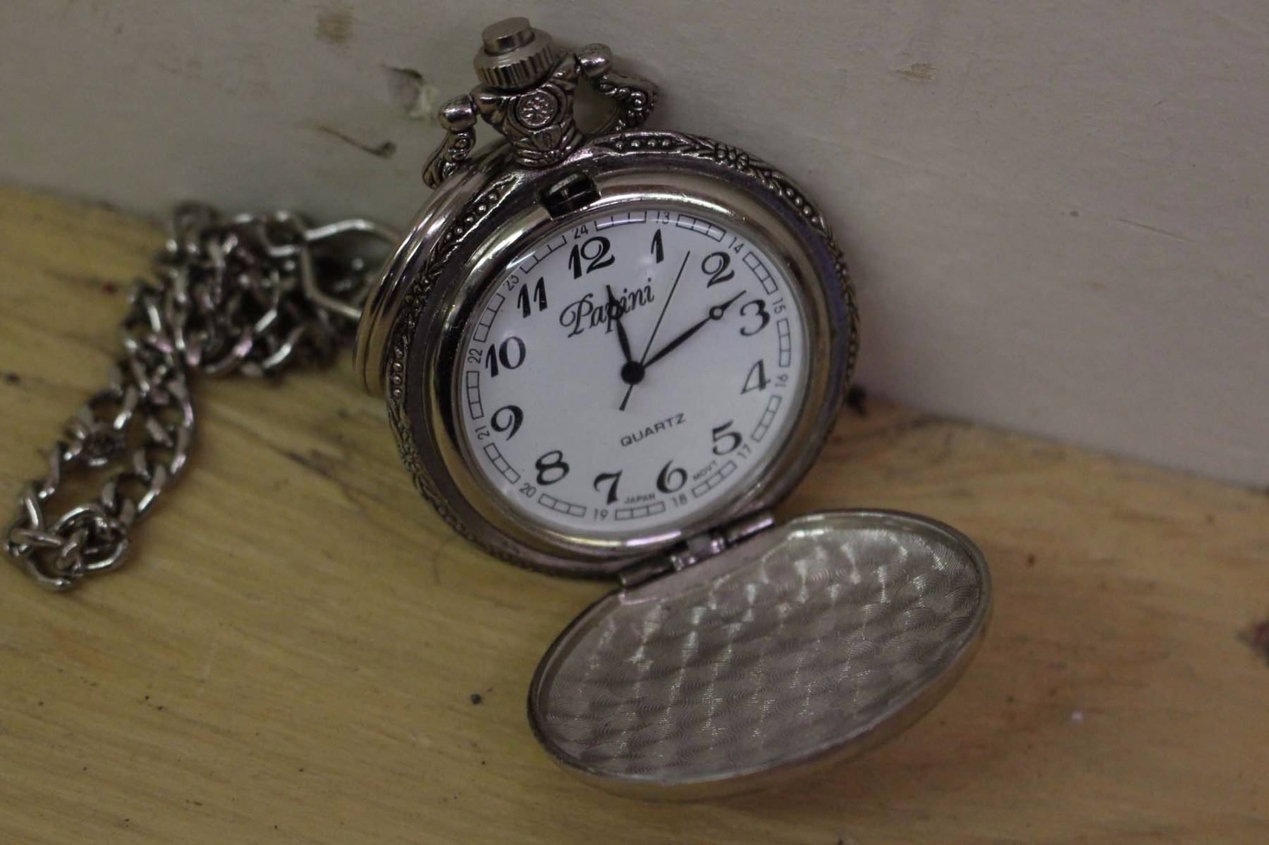 how to make a working pocket watch