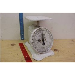 Vintage Universal Household Scale (24 Lbs by Ozs)(Working)