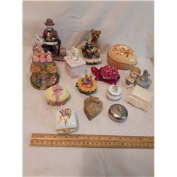 Lot of Vintage Trinket Boxes
