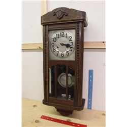 Antique Clock w/Key (Working)