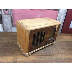 "Northern Electric Wooden Tube Radio 14.5"" x 7"" x 9.5"""