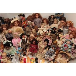 Large lot of antique and vintage dolls and  Teddy bears collected and made by Gail  Novello; her lif